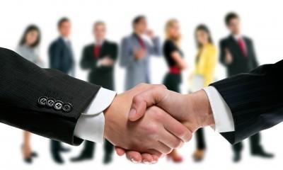 PLG_Conseil_et_formation_ Commercial_relation_client_poignée_de_main